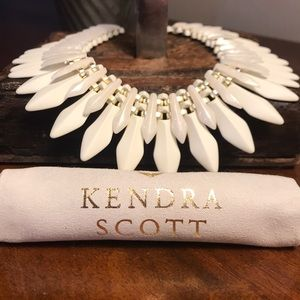 NWT Kendra Scott Lazarus Gold Necklace in Ivory!!